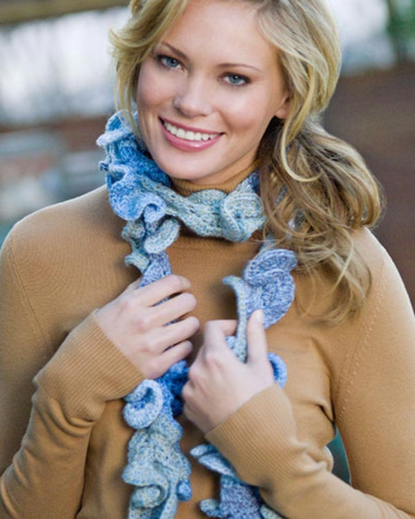 WR2101-Frothy-Scarf-optw