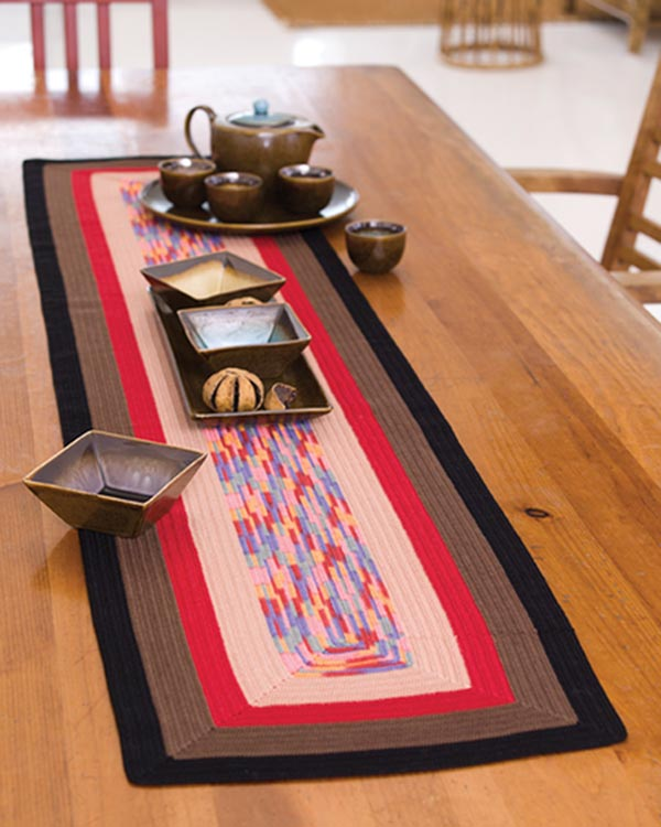 LC2475-Square-on-Square-Table-Runner-optw
