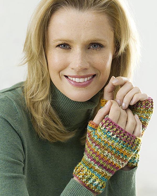LW1919-Easy-Crochet-Wristers-optw