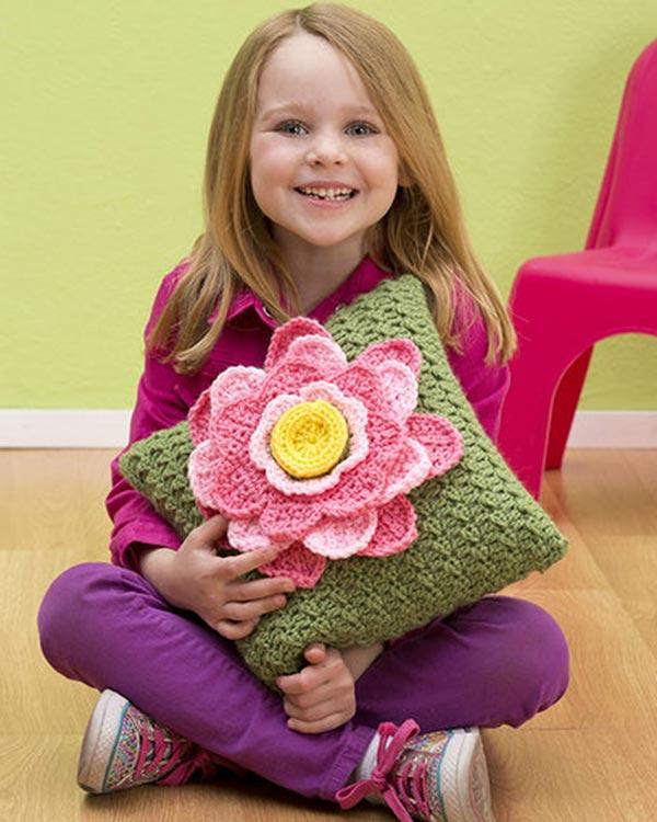 LW3125-Spring-Fling-Pillow-optw