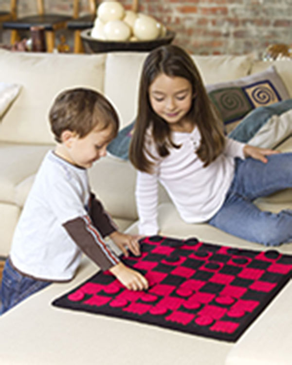 WR2074-Checkers-Board-Game-optw