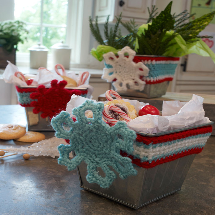 LW3726-Holiday-Wrapped-Tins