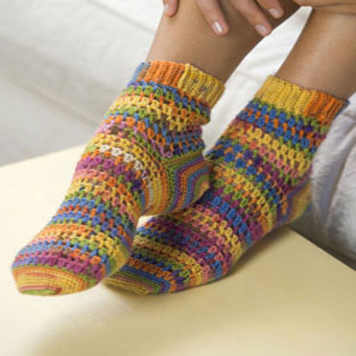 KTV2005C-Crochet-Heart-Sole-Socks