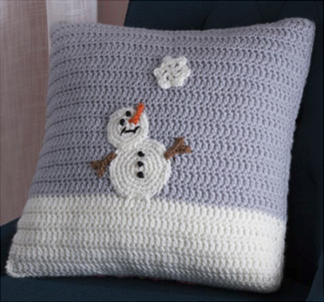 LW4677-Snowy-Day-Pillow-Back