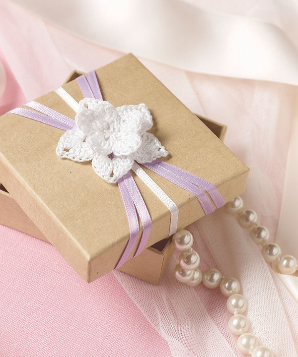 LC3550-Flowered-Wedding-Favor-Box