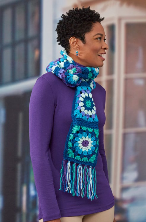 lw5296-glam-grannies-scarf-free-crochet-pattern