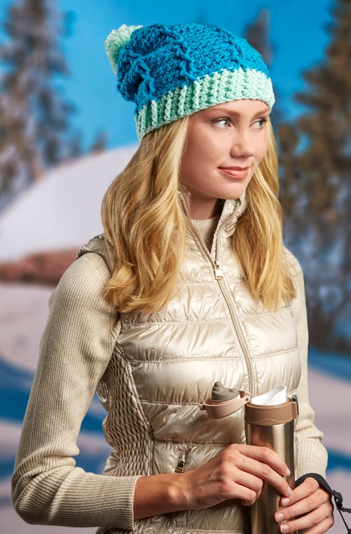 lw5499-duo-tone-cabled-hat-free-crochet-pattern