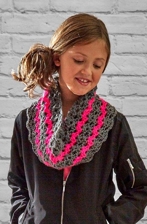 LW5462-Dazzling-Kids-Cowl-Free-Crochet-Pattern