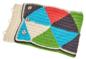 LM5474-Triangle-Puzzle-Pillow-Free-Crochet-Pattern3