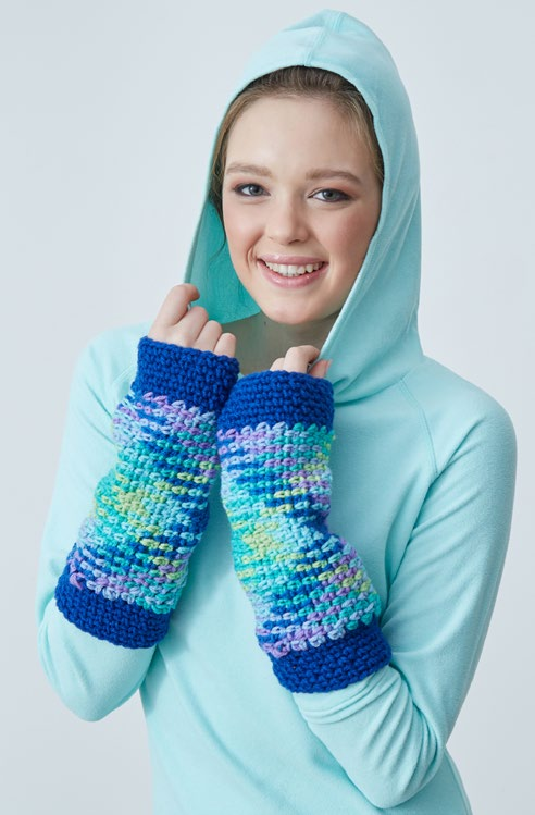 LW5552-Planned-Pooling-Argyle-Wristers-Free-Crochet-Pattern