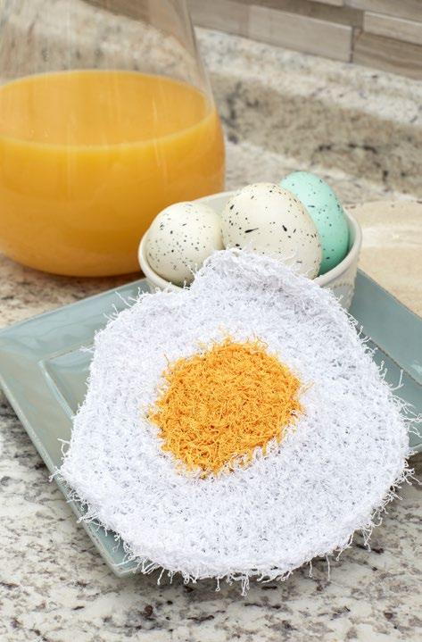LW5572-Fried-Egg-Scrubby-Free-Crochet-Pattern